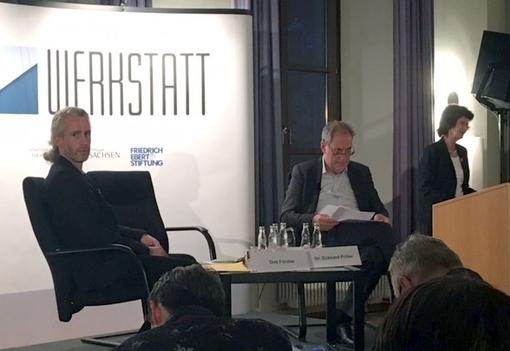 Die soziale Situation von Künstlerinnen und Künstlern Ein Abend mit der Staatsministerin Dr. Eva Maria Stange in Dresden